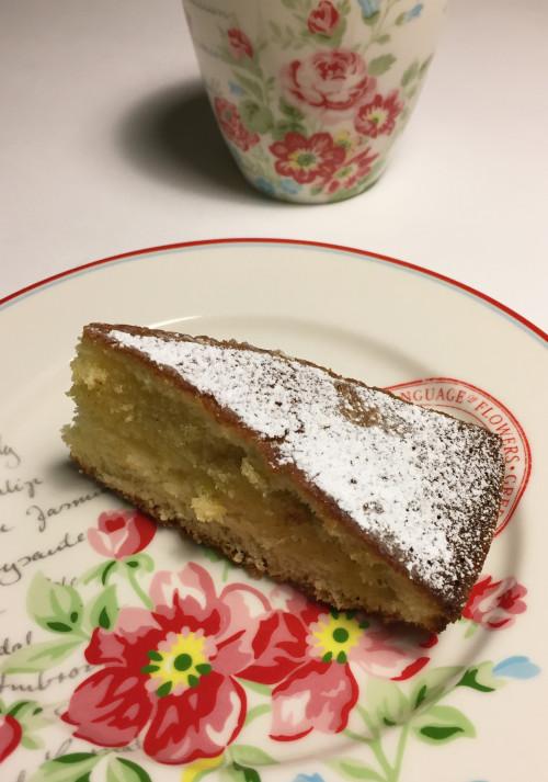 sockerkaka med smör och vaniljfyllning